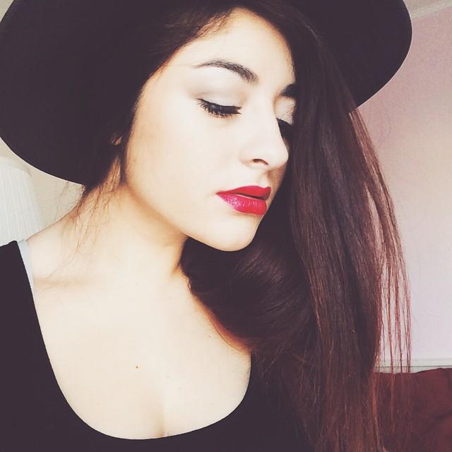 selfie chapeau